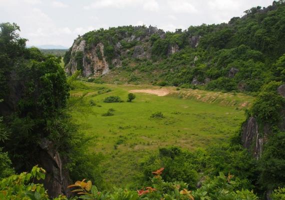 Hills & Rocks